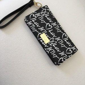 NWT Betsey Johnson Wristlet Wallet